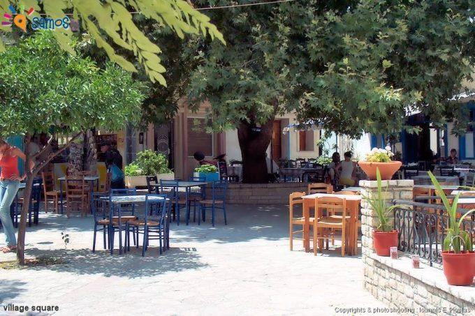 Μυτιληνιοί Κεντρική πλατεία