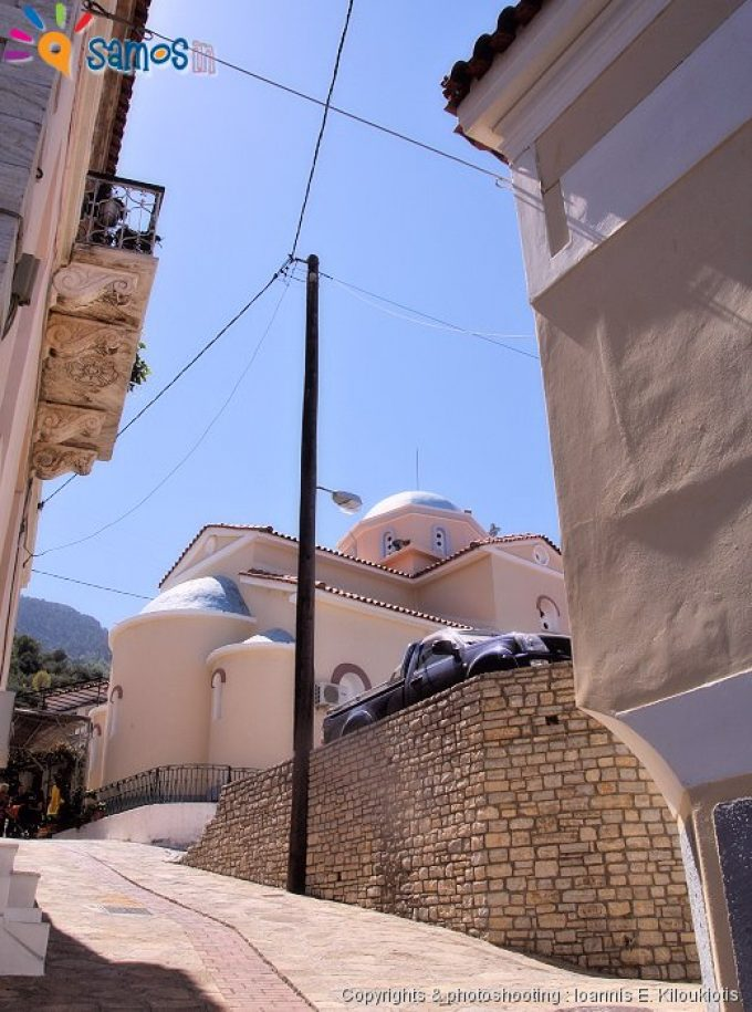 Άμπελος γειτονιά του χωριού και η εκκλησία