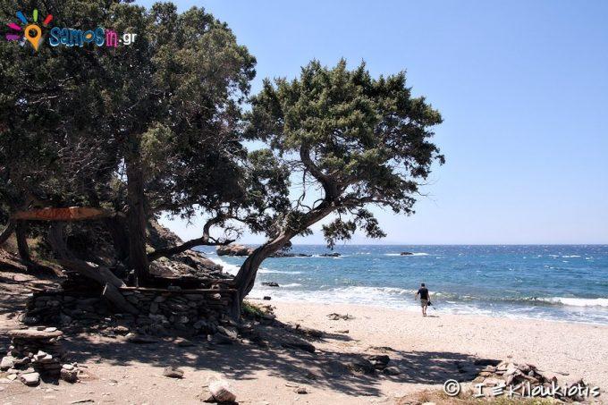 Beach Kedros at Plaka