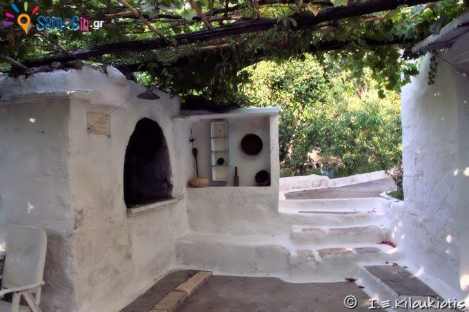 Agios Ioannis Eleimonas metochi at Marathokampos