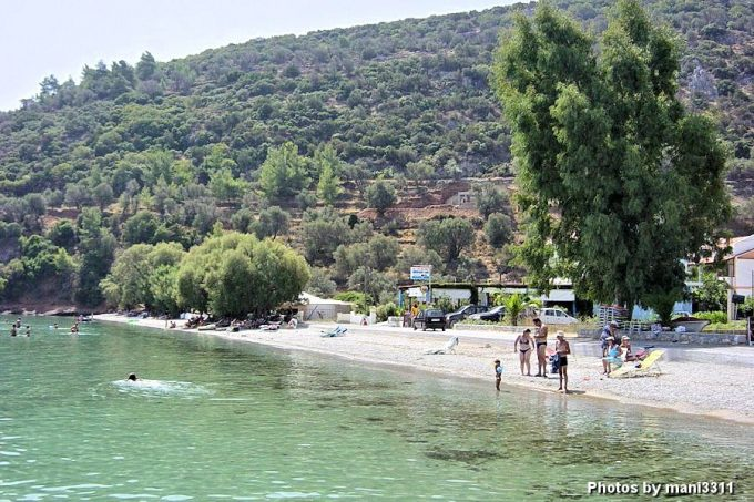 παραλία Κέρβελη ή Χαραυγή στην Σάμο