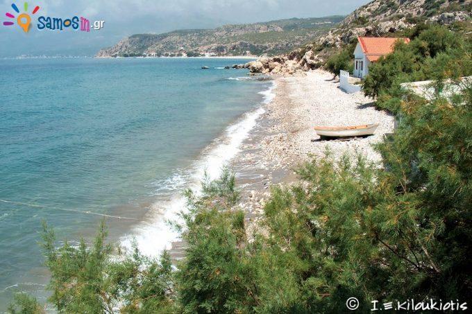παραλία Πεύκος