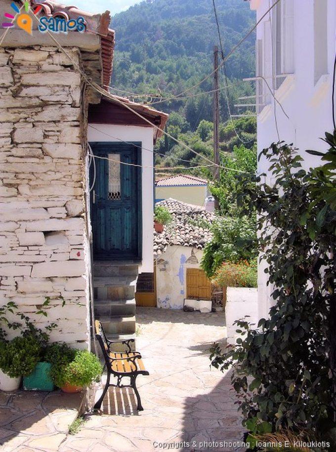 Σταυρινήδες, γειτονιά του χωριού