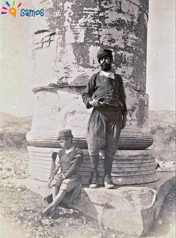Σαμιώτης με παραδοσιακή φορεσιά στο ναό της Ήρας