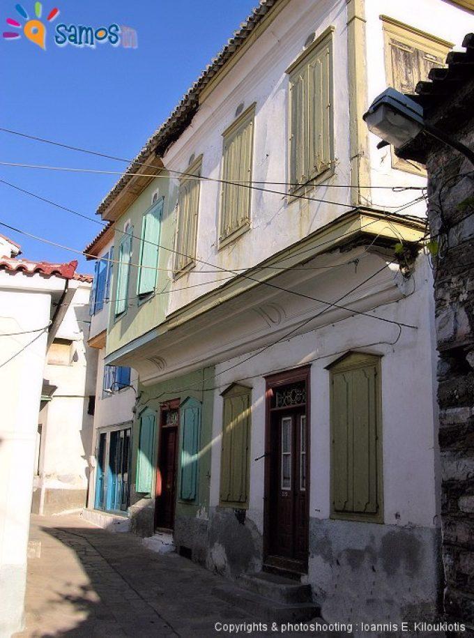 Βουρλιώτες γειτονιά στο χωριό